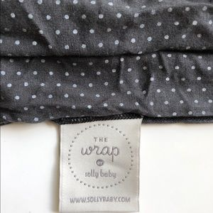 The wrap by solly baby - charcoal Swiss dot